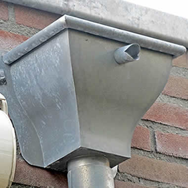 P.M. Sikking Loodgietersbedrijf – Zinkwerk op maat - Deklijsten, dakgoten, zijwangen voor dakkapellen, daken, tafelbladen en nog veel meer.